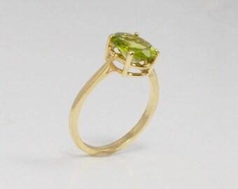 14k Yellow Gold Apple Green Peridot Ring Size 7.5(01221)