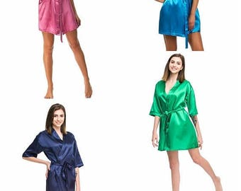 ON SALE Bridesmaid robes | 20 colors + Personalization | Satin robes | Bridal crew robes | Bridemaids gifts | Personalized robes | Dressing