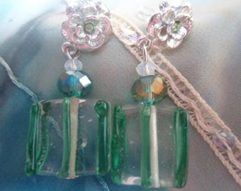Translucent earrings and its Green