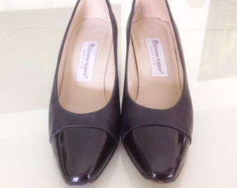 Vintage  Etienne Aigner  Classic Black Pumps with patent Leather Toes and Heels