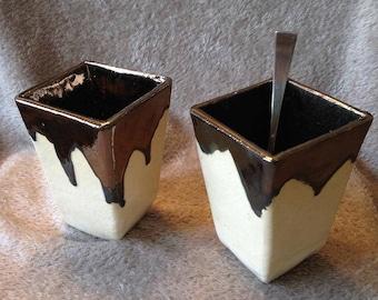 2 cups / mugs in brass slats