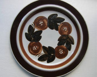 A ROSMARIN Large Plate Designed By Ulla Procope For Arabia Finland