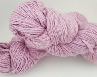 Lilac merino wool yarn
