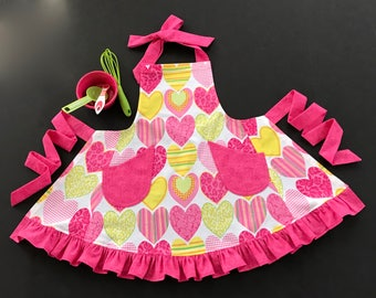 Little Girl's Apron, Girl's Heart Print Apron, Bib Apron, Ruffled Apron, Kids Apron, Girl's Bib Apron, Pink Print Apron, Apron for Girls
