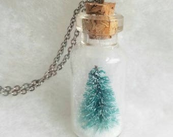 Christmas Necklace, Snow Globe Necklace, Winter Jewelry, Christmas Tree Necklace, Winter Necklace, Christmas Jewelry, Christmas Gift