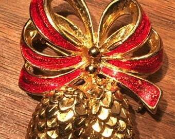 Vintage Dancraft Gold Pinecones and Red Bow Christmas Brooch