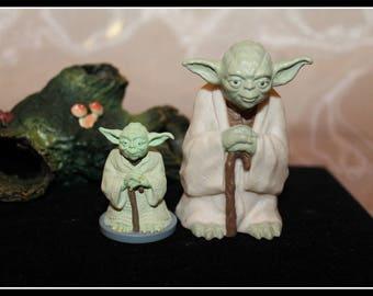 Set of 2 Vintage Star Wars YODA Figurines, Yoda Jedi Master Figurines, Star Wars Franchise Figurines