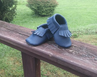 Baby blue leather breathable moccasins 6-12months