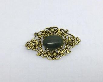 vintage gold tone jade brooch  #418