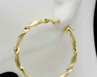 1 1/2'' 10k Solid Yellow Gold Diamond-Cut Twist Hoop Earrings. 40 x 3MM 2.8GR