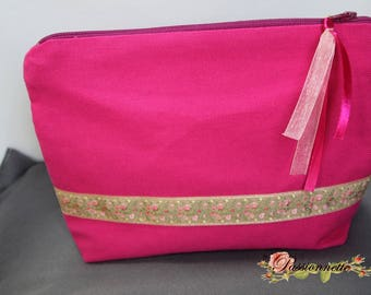 Small cosmetic case or other handbag