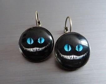 """""""Alice's cat"""" dangle earrings"""