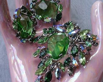 Signed Green Art Stone Brooch & Earrings Demi Parure Green AB Rhinestone Silver Tone Vintage 1950s