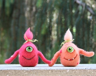 Josephine & Daphne - Needle felted wool monsters, Monster sisters, Soft sculpture