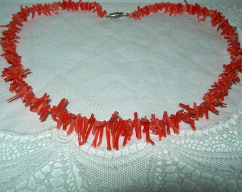 Coral necklace, salmon colour, graduated, vintage,hand made