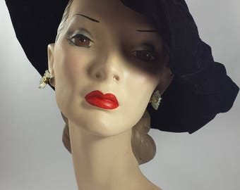 Vintage 1940's Floppy Black Velvet Brimless Halo Hat | Vintage Halo Hat | Vintage 1940's Hat |