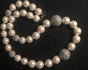 """Large """"Molly""""Statement Faux Pearl Necklace"""