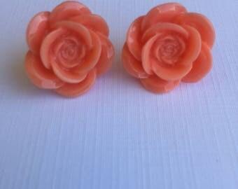 earring,stud earring,pink earring,flower earring,pierced earring,earrings,studs, pink stud earring,