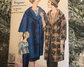 Vogue Pattern - 4138 - Size 12. Bust 32. Hip 34.