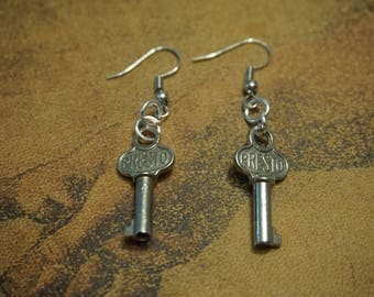 Steampunk Skeleton Key Earrings, women's gift, jewelry, silver