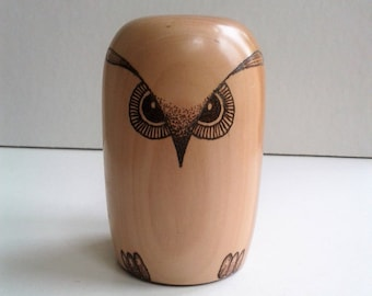 Apple Owl Paperweight E139