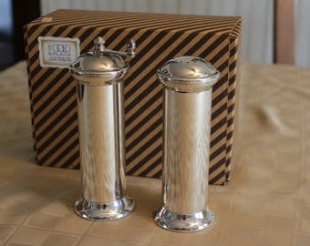 """Vintage Salt Shaker and Pepper Mill """"Accinto Garantito"""" Silver Plate on Brass Made In Italy New In Box Never Used"""