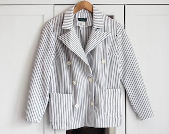 Vintage Blazer White Blue Stripes Elegant Simple Smart Buttons Classic Fit Look Top High Fashion Retro Piece Women / Medium size