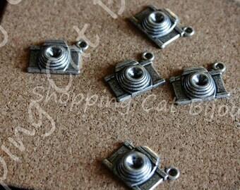 10 Photo Camera - Camera - Macchina Fotografica -  Tibetan Silver Charms - Pendants