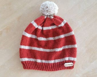 Knitting slouchy hat for adults