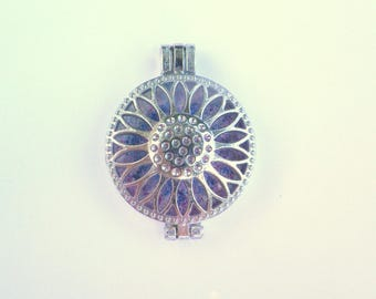 with fluorescent background flower pendant