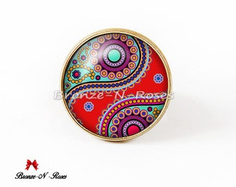 Ring * Indian paisley * bronze red glass cabochon