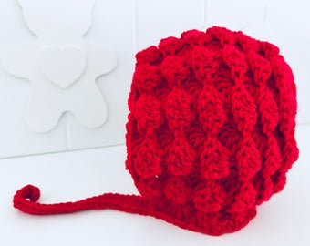 Christmas newborn bonnet baby girl. Red Cap created in crochet with supersoft merino wool. Christmas gift Idea. Handmade. Photo Props