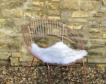 Hand Painted Metallic Glitter Pink Girls Bedroom Chair Metal Round Wire Aluminium Eames Harry Betoia Inspired Chair with Sheepskin Seat Pad