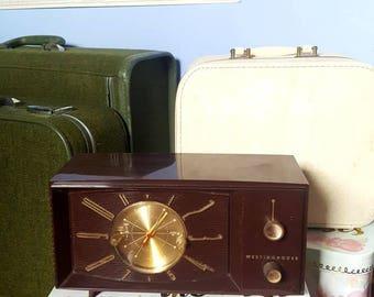 Working Vintage 1956 Westinghouse Clock Radio.