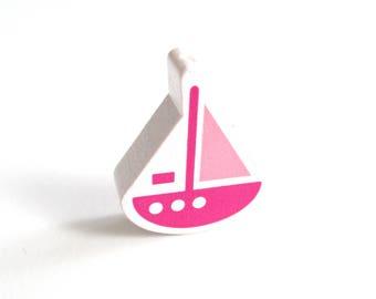 Wooden boat white, Fuchsia & Rose Tendre bead