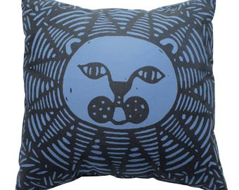 Lion pillow cover, lion cushion cover, lion home decor, African home decor, screen printed, original design with insert