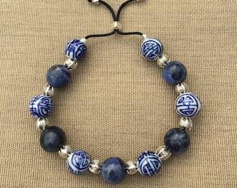 Boho chic bracelet. Asian bracelet. Porcelain beads bracelet. Handcraftedbeads bracelet. Blue agate.