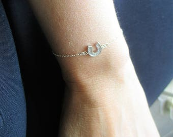"Sterling silver bracelet ""Horseshoe"" Swarovski crystals and fine chain."