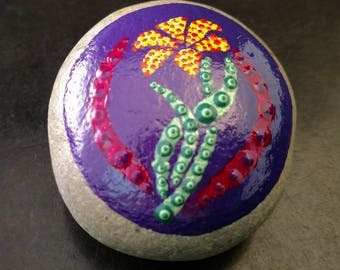 Flower Mandala Stone, Flower Paperweight, Hand Painted Flower, Flower Dot Art, Lily Mandala Stone, Hand Painted Stone, Unique Gift