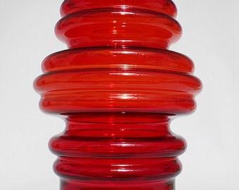 Riihimaki Red Tulppaani Vase by Tamara Aladin