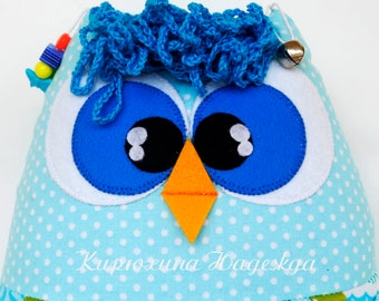 Developing toy owl, busy owl, quiet game