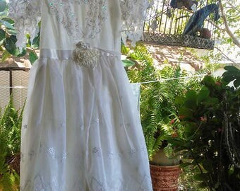Girls Vintage White Princess Style Gown