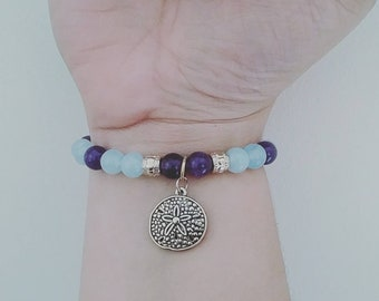 Aquamarine + Ametyst Bracelet with Sand Dollar Charm