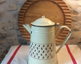 Vintage French lidded enameled cream coffee pot, French Vintage Cream Enamelware Kettle, Coffee Pot, French Country Kitchen, Enamel Pot