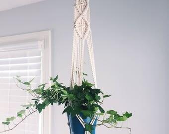 Diamond Pattern Macrame Plant Hanger//Hanging Planter//Boho Decor//Rope Plant Hanger//Small Plant Hanger//
