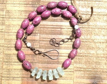Sea glass beaded necklace with Magnesite fuschia beads and copper hook clasp,Beach glass and stone bead necklace,handmade sea glass necklace