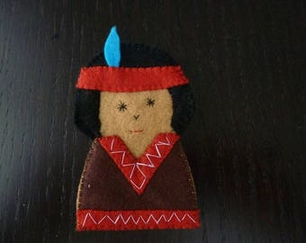 felt finger puppet little Indian feather