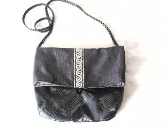 Lamé fabric evening bag.