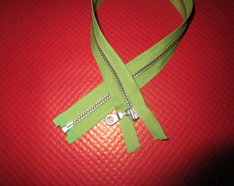 separable 39 cm light green metal closure