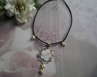Flower Choker necklace mother of Pearl and starfish